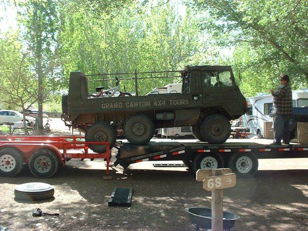 Loading up Scott's Pinzgauer.